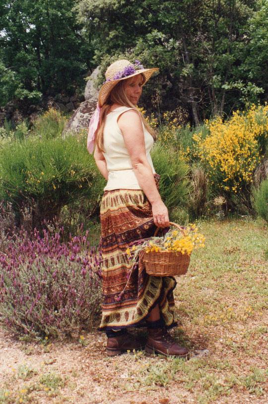Mi corona de flores realizada por mí. F. Pedro. P. Privada.