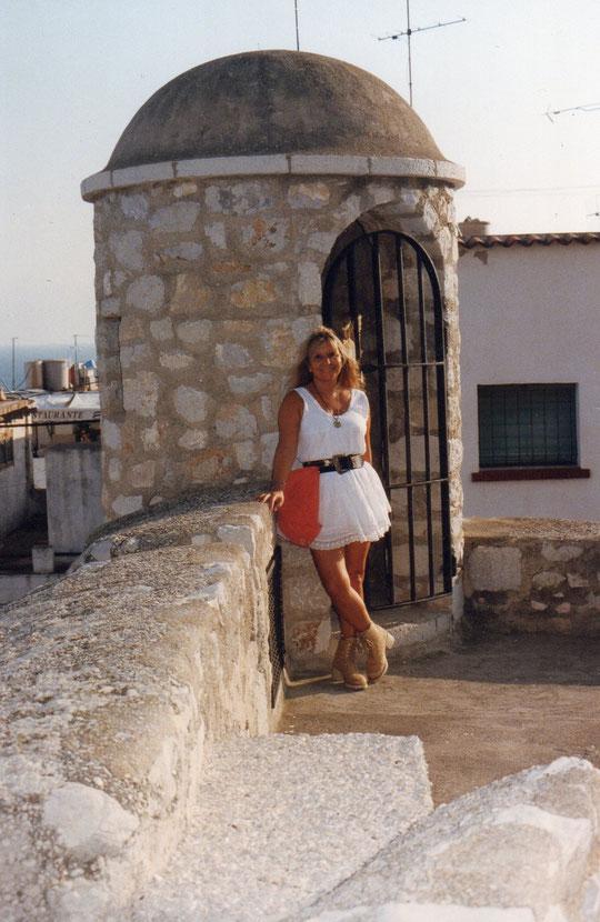 Y..............Merche en la misma torre. F. Pedro. P. Privada.