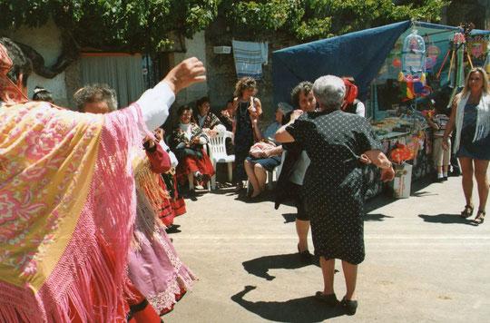 Los bailes regionales. F. P. Privada. Pedro.