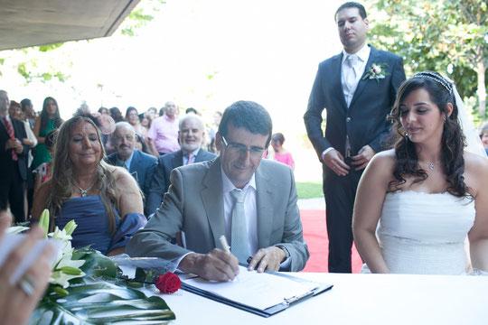Antonio firma. F. P. Privada.