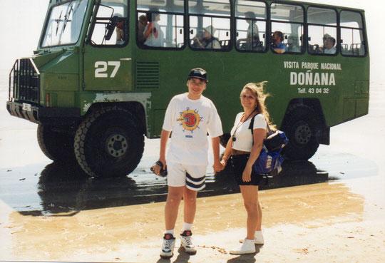 Vamos a tomar el autobus  que hará el recorrido por Doñana. F. Pedro. P. Privada.