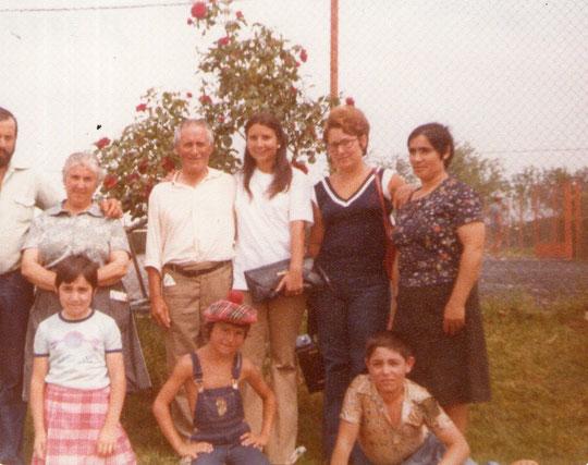 Mi familia de Alagón y mi tío preferido Vicente, hermano de mi madre y originarios de Martinebrón.  Pedro. P. Privada.
