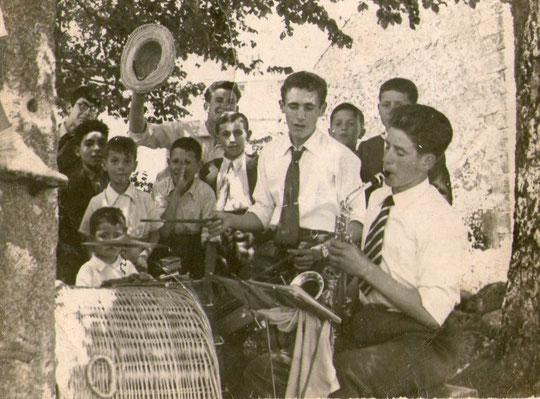 """"""" Mocitos de la Puebla, años 50 """" P. Privada."""