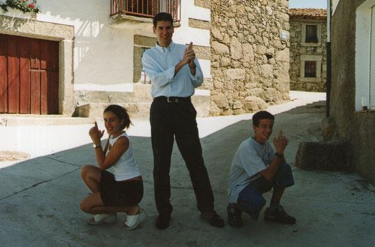Javi con Elisa y Ale. F.Antonio. P. Privada.