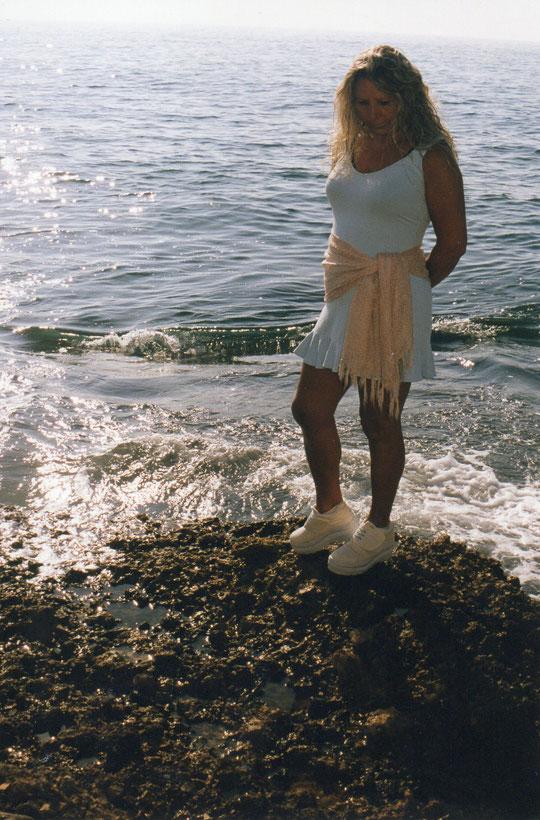 En el mar.