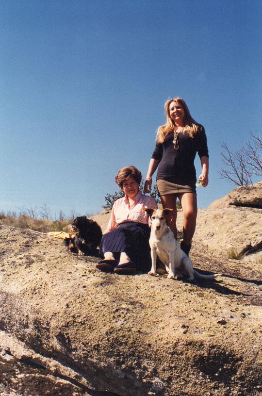 En las Cumbres con mi hermana mayor. F. Pedro. P. Privada.