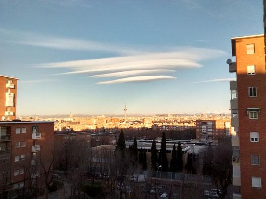 Las nubes lenticuláres. F. Merche.
