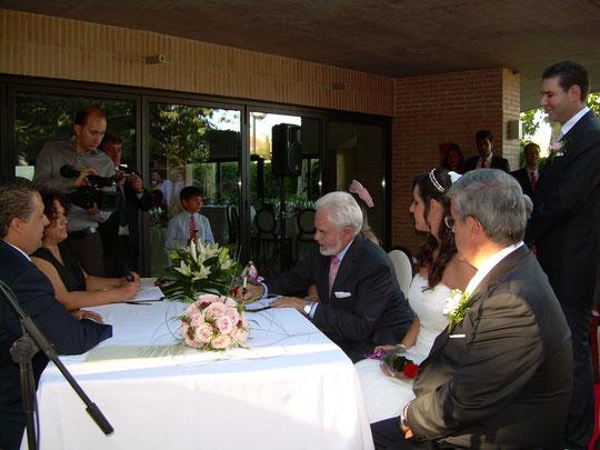 Pedro firma. F. P. Privada.