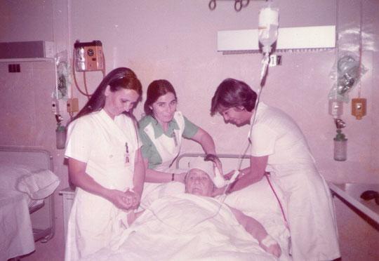 El día de los Inocentes Pepe hace de paciente........JA, JA, JA. F. Pedro. P. Privada.