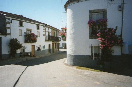 Preciosa calle en Valdelacasa.