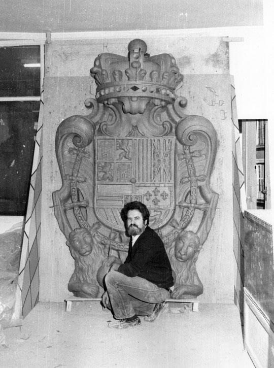 Escudo modelado por Pedro (Plaza Mayor. MADRID.)