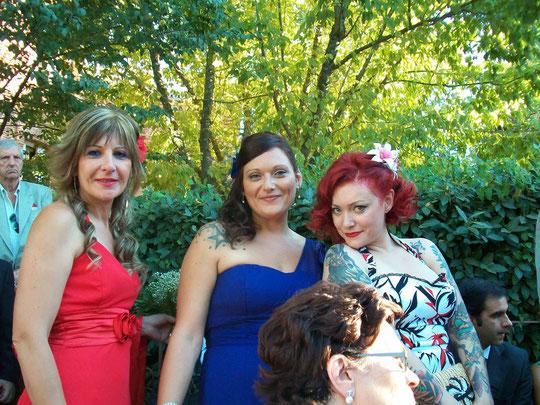Tres guapas primas de Javi. F. P. Privada.