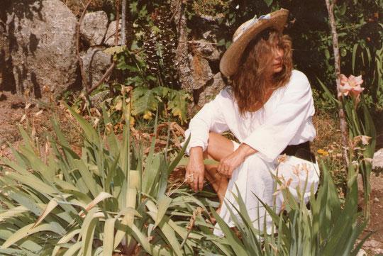 En un jardín siempre me encuentro en mi..................... ¡ salsa !