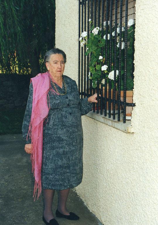 Mi abuelina querida. F. Pedro. P. Privada.