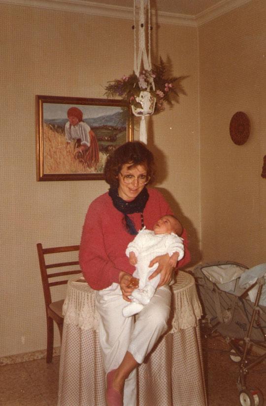Con su tia Charo. F. Merche. P. Privada.