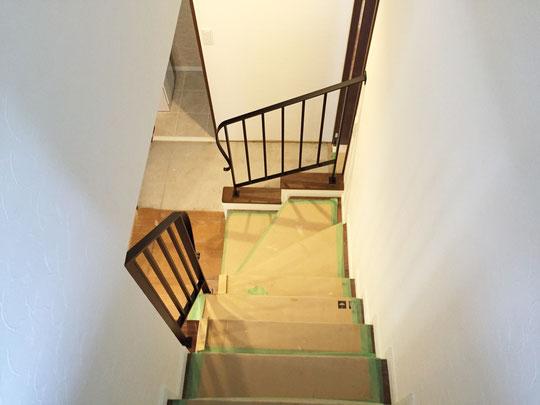 二階から見るシンプルで素樸なアイアンテスリ