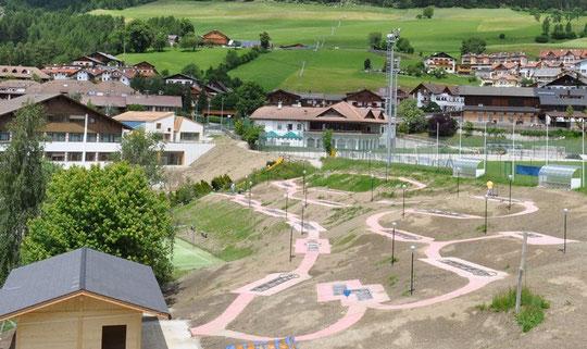 22.06.2010 Bahnenrahmen - Si comincia con le piste