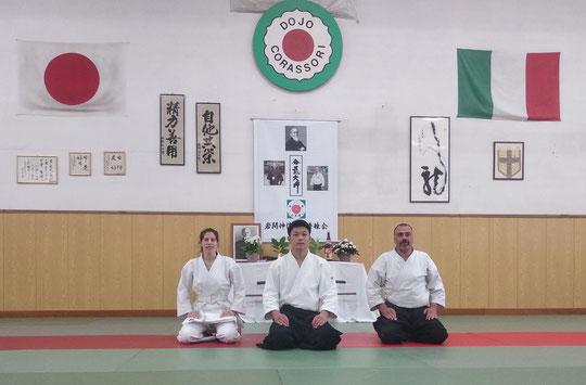 Saito Morihiro Nidaime, Waka Sensei, assieme ai partecipanti dell'Aiki Shuren Dojo Ts.