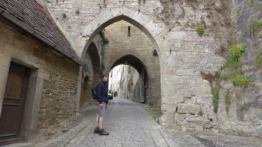 Hans Wilhelm kannte sich gut aus mit den Rothenburger Stadttoren und hat mir alle mindestens 2 x gezeigt sowie größere Abschnitte der Stadtmauer :-)  Danke HW fürs intensive Rothenburg erleben