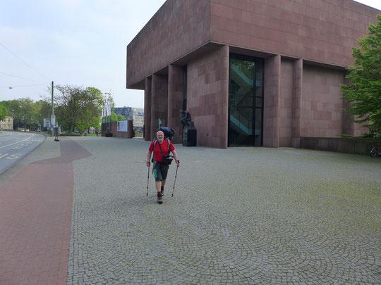 An der Kunsthalle in Bielefeld, Stadt ist nicht mehr meins im Moment