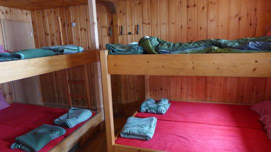 Mein Nachtlager auf 2964 m Höhe als einziger Übernachtungsgast in dieser Nacht. Ab 16.30 Uhr war die letzte Bahn gefahren. Ruhe pur