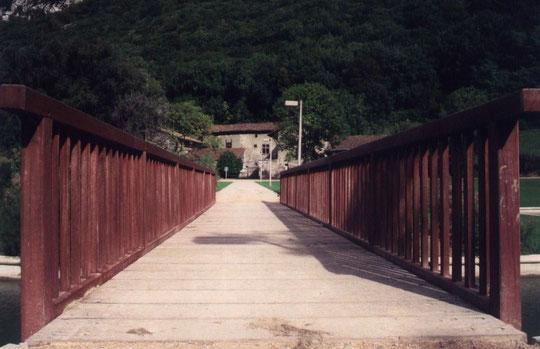 Le pont vers la Ferme de Fiancey dans les anées 80.