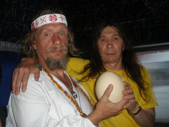 Мальфар Алексий получил это яйцо в виде приза от хозяина страусиной фермы