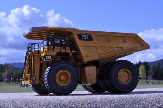 CATERPILLAR 797  超大型オフハイウェイトラック