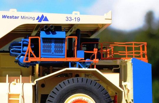TEREX TITAN マイニングトラック