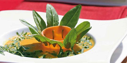 Birnen-Möhren-Suppe mit Sauerampfer