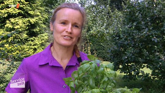 """Kräuterexperting Celia Nentwig in der Sendung """"Servicezeit"""" im WDR"""