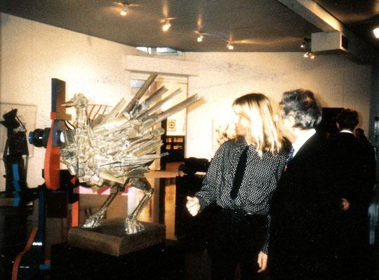 Avec Emile Veranneman devant une sculpture de César.