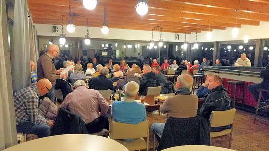 An diesem Abend strahlten nicht nur die Lichter im Clubhaus, sondern auch die Gesichter der Teilnehmer ob der vielen guten Nachrichten...