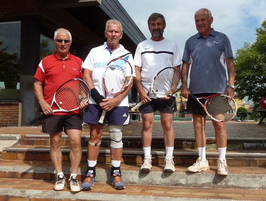 Im Herren-Doppel gewannen Brackhagen/Sperling das Endspiel gegen Lassak/Rzepka mit 6:1 und 6:2.