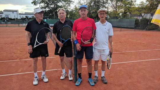 Im Herrendoppel-Finale unterlagen die Schwarzen Ritter den Käppie-Boys.