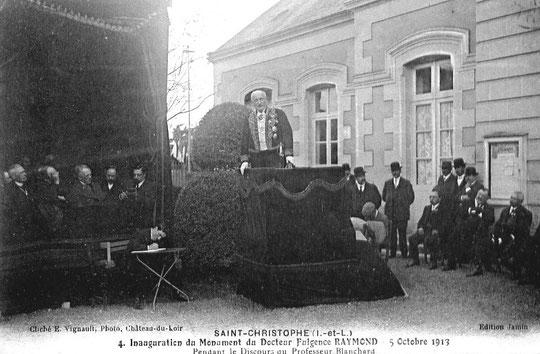 Le Professeur Raphaël Blanchard à la tribune
