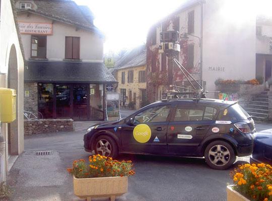 Le 7 Octobre 2010, la voiture GOOGLE qui filme les routes est passée à Villeneuve sur Tarn.