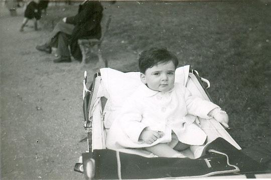 février 1949, j'ai un an