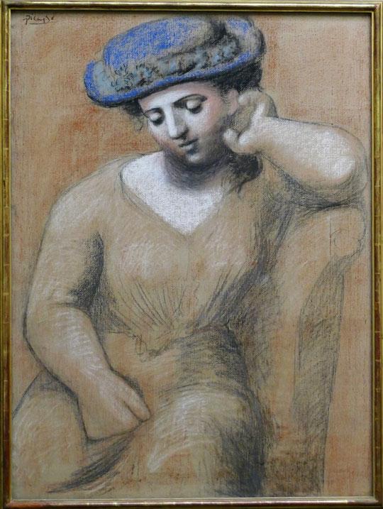 P. Picasso : femme assise au chapeau, 1921