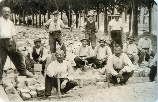 Des paveurs originaires de Graglia à Lyon vers 1900