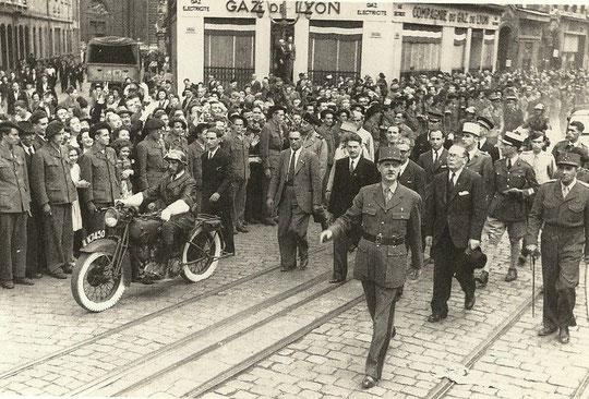 Le Général De Gaulle arrive à Lyon
