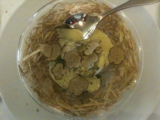 "l'œuf de poule Carrus ""pourri"" de truffe"