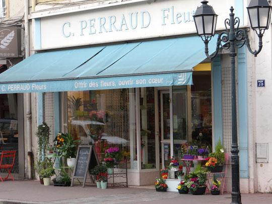 Le fleuriste est l'un des derniers magasins qui n'a presque pas changé, ici en 2015