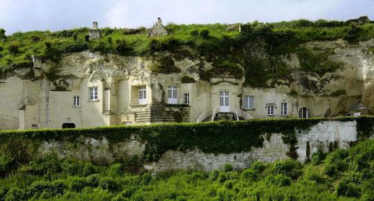 maison troglodyte en bord de Loire