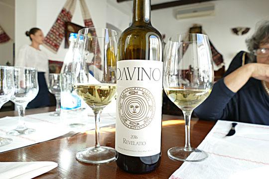 """""""Revelatio"""", assemblage de 85% de sauvignon blanc et de 15% de Feteasca Alba"""