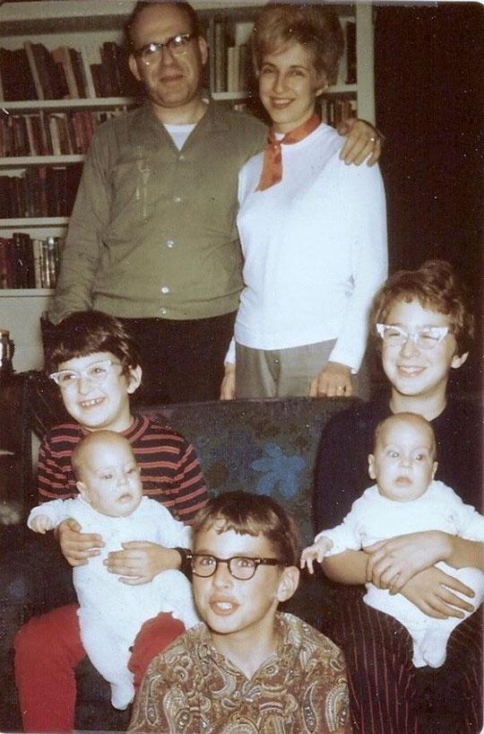 La famille Tachau, Frank, Paula et leurs cinq enfants vers 1968