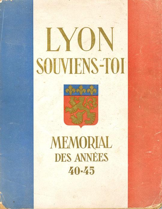 André Gamet publie ce recueil de photo juste à la Libération