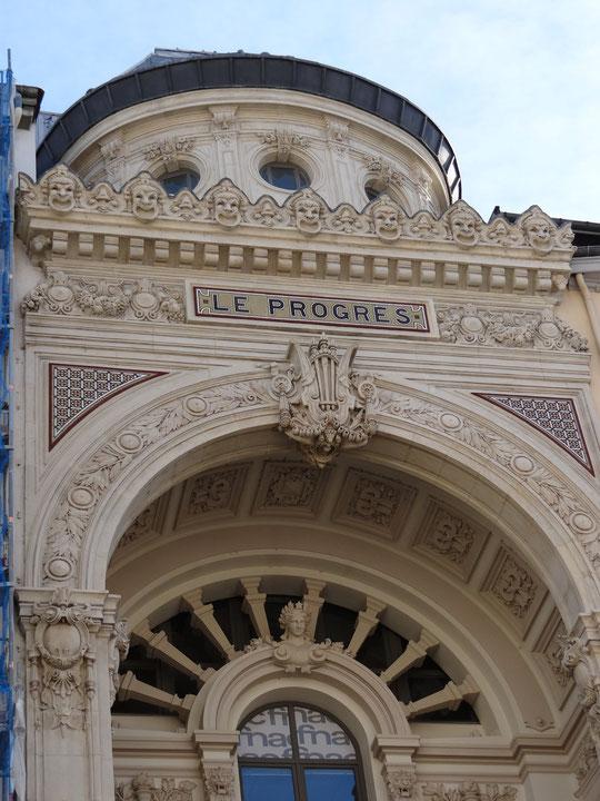 """rue de la République, c'était le bâtiment du """"Progrès"""""""
