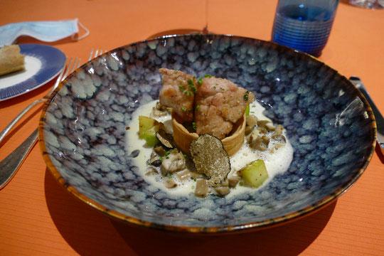 Cœur de Ris de Veau rôti en Croustade, Courgettes du Jardin, Poelée de Champignons