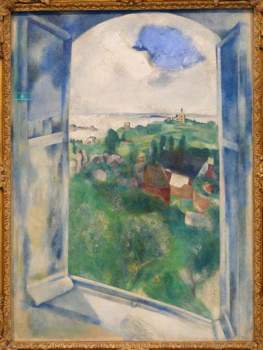 M. Chagall : la fenêtre sur l'île de Bréhat, 1924